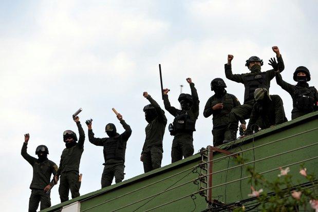 Morales spreekt over 'staatsgreep' na muiterij politie; Boliviaanse democratie in gevaar 2