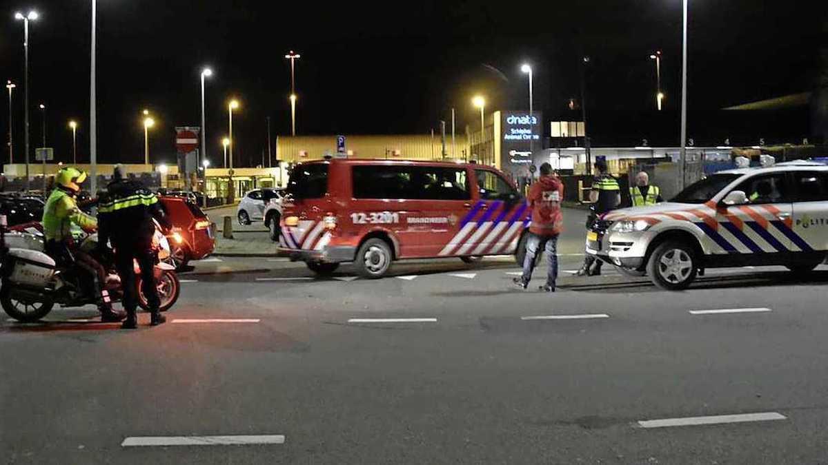 Mogelijke vliegtuigkaping Schiphol; passagiers en crew veilig van boord 1